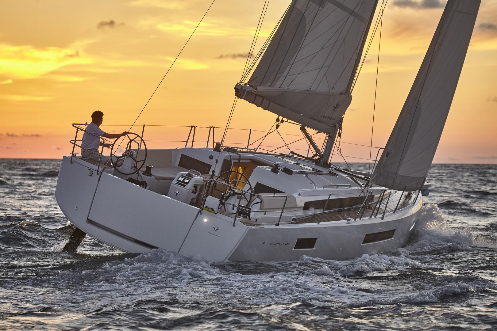 Sun Odyssey 440 gestion-location - Kiriacoulis France